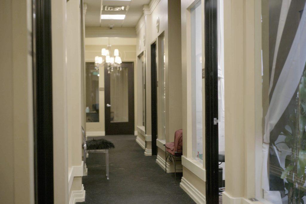 Hair2o Salon - Hallway (2)